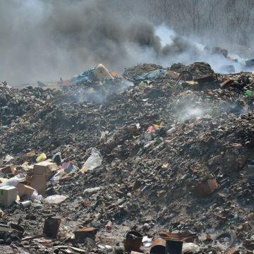 Plaga pożarów odpadów trwa