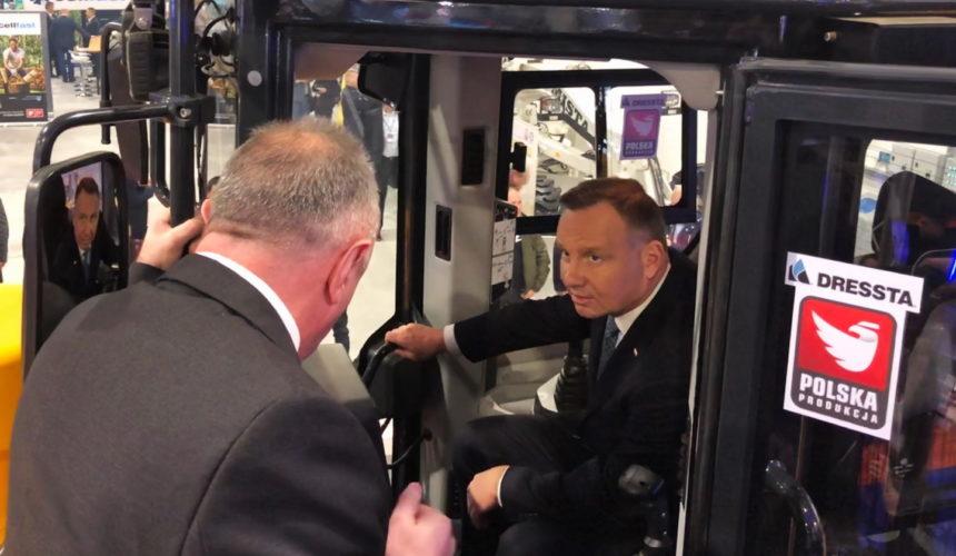 """Prezydent Andrzej Duda w stoisku LiuGong Dressta Machinery na wystawie """"Od COP do Gospodarki 4.0"""""""