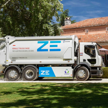 W pełni elektryczna śmieciarka Renault Trucks na ulicach Barcelony