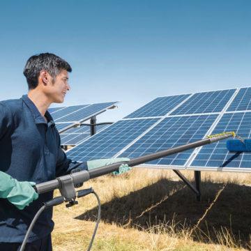 Wygodne czyszczenie paneli słonecznych